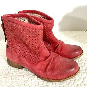 ROXY Red Perforated Eyelet Vallerie Ankle Booties